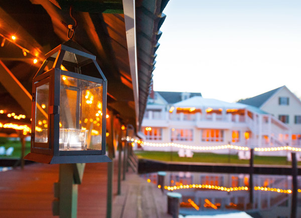 The Oaks Waterfront Inn & Events Maryland Wedding Venues waterfront dock well lit