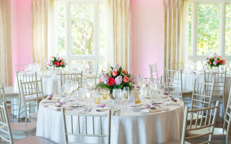 The Oaks Waterfront Inn & Events Maryland Wedding Venues wedding table decorations and seating arrangements