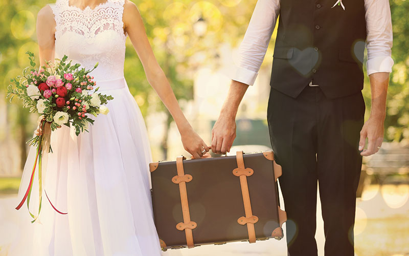 The Oaks Waterfront Inn & Events Maryland Wedding Venues newlyweds travels