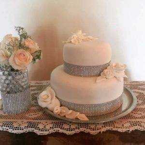 Glitzy Wedding Cake for glamorous wedding